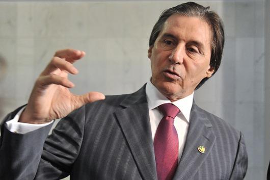 O senador Eunício de Oliveira, presidente da Comissão de Constituição, Justiça e Cidadania (CCJ) fala a imprensa sobre reforma administrativa.