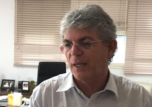 Ricardo Coutinho_crítica-bolsonaro
