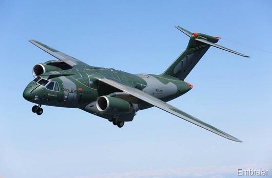 KC-390-em-voo-foto-Embraer