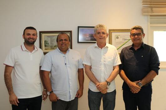 Ricardo Pereira e Ricardo Coutinho com auxiliares