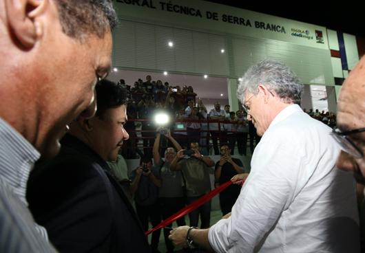 Ricardo_inauguração_Escola Técnica de Serra Branca