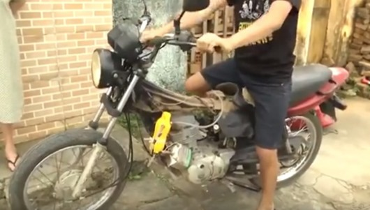 moto-abastecida-agua-alagoa-nova-pb-sandro-alves-inventor