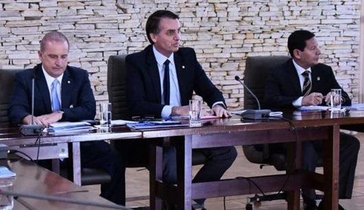 Bolsonaro exclui da equipe Norte e Nordeste, onde recebeu menos votos