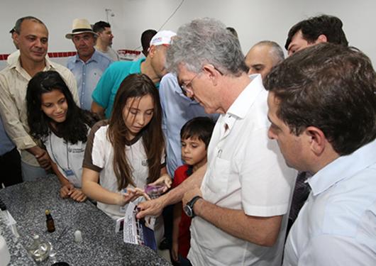 Ricardo Coutinho_entrega_escola em Itaporanga