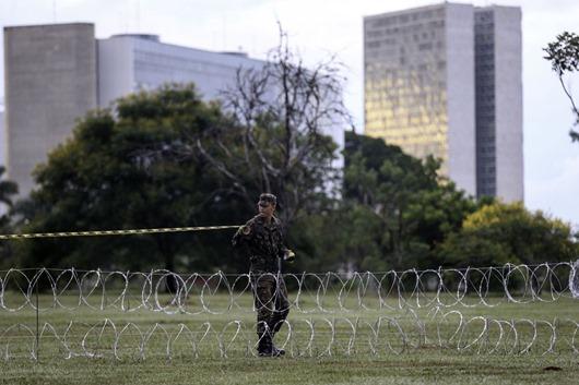 Segurança da posse terá detector de metais e proibição de objetos-Agência Brasil