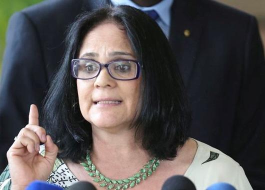 Futura ministra de Mulher, Família e Direitos Humanos, Damares Alves, fala à imprensa no CCBB. Ela também ficará responsável pela Funai.
