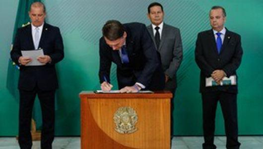 Bolsonaro altera regras de concessão da pensão por morte e aposentadoria rural