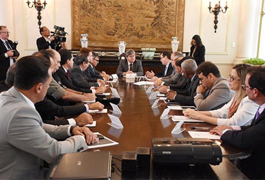 João Azevêdo discute com CNJ e Judiciário da Paraíba melhorias na gestão do sistema prisional