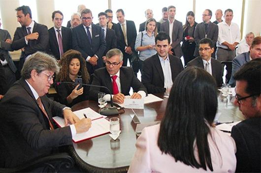 João Azevêdo lança 6º edital de convocação de credores para celebração de acordos diretos de precatórios