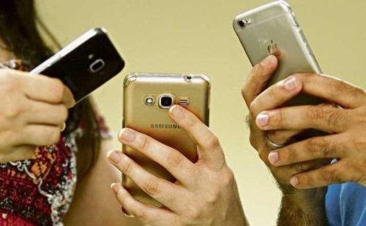 uso excessivo do celular aumenta o risco de tendinite
