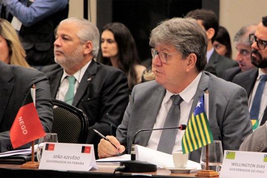 João Azevêdo discute reforma da Previdência com governadores e ministros