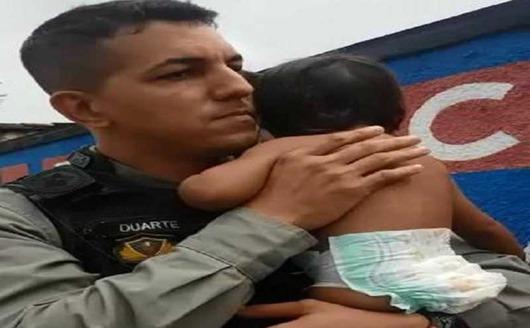 PM salva criança de 1 ano e 6 meses que estava engasgada
