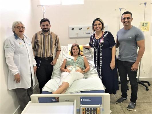 Paciente do Hospital do Bem que recebeu cateter implantável faz primeira sessão de quimioterapia com o dispositivo
