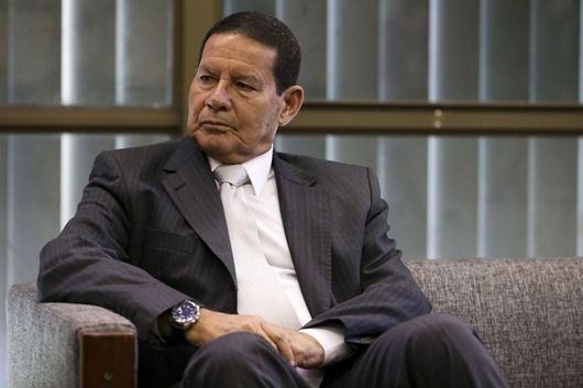 O Vice-Presidente, General Hamilton Mourão, recebe Marcelo Marangon e Shawn Suullivan, CEO do Citibank.