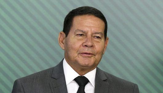O vice Presidente, general Hamilton Mourão, participa da cerimônia de assinatura, da medida provisória que estabelece medidas para combater fraudes em benefícios pagos pela Previdência Social