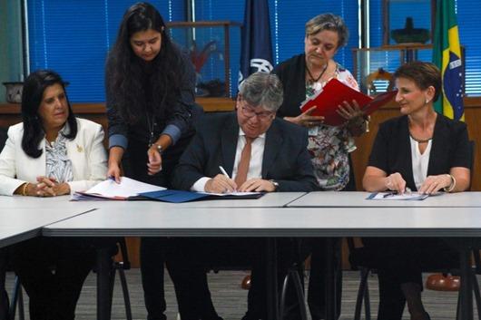 João Azevêdo-contrato-Banco Mundial
