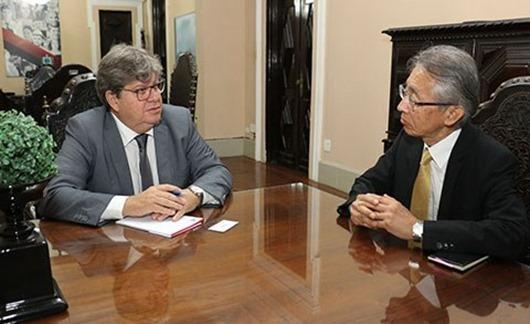 João Azevêdo recebe visita do cônsul-geral do Japão