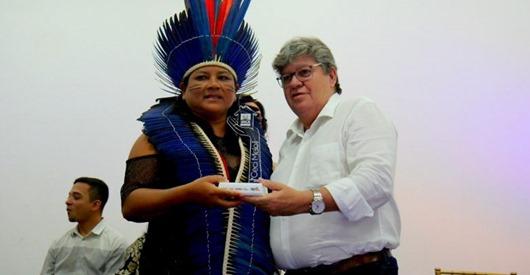 João Azevêdo_entrega Prêmio Ceci de Melo
