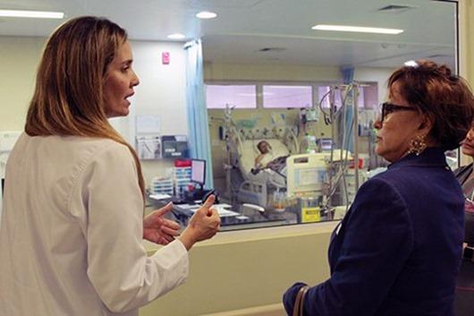 Promotora da Saúde visita Hospital Metropolitano e elogia unidade hospitalar