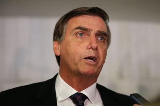 Brasília  - Entrevista com o deputado Bolsonaro, durante a votação do Impeachment da presidente Dilma Rousseff (Valter Campanato/Agência Brasil)