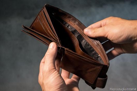 carteira-de-dinheiro-vazia- Reprodução da Internet
