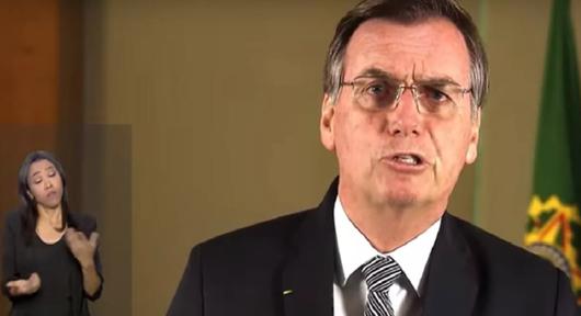 Acuado e assustado, Bolsonaro faz pronunciamento e leva panelaço gigantesco