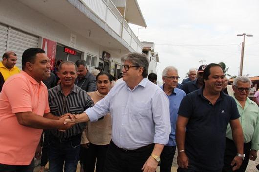 João Azevêdo_entrega_restauração de rodovia de Lucena
