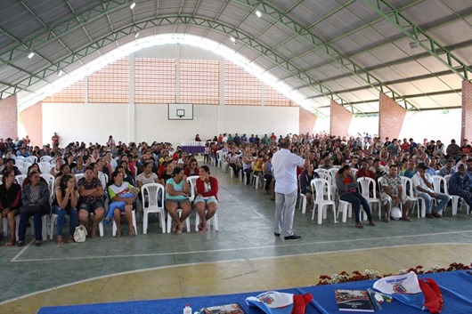 Prefeitura de Princesa Isabel-entrega de kits escolares