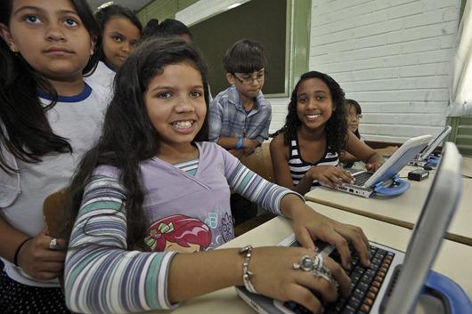 alunos_computador-Agência Brasil