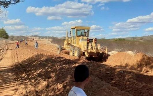 DER _obras de pavimentação de rodovia entre Paraíba e RN