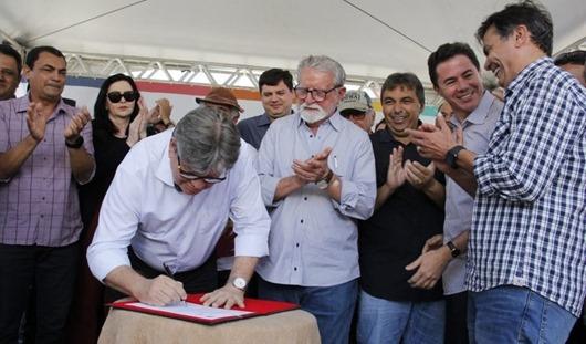 João Azevêdo_ordem de serviço_rodovia Santo André-Juazeirinho
