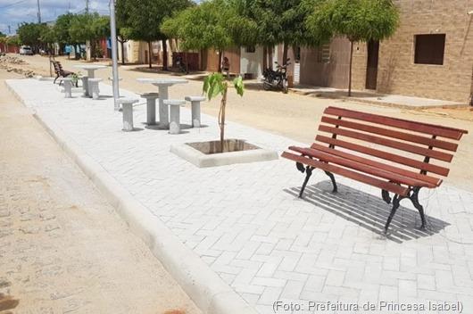 Praça do Distrito de Lagoa da Cruz-Prefeitura de Princesa Isabel