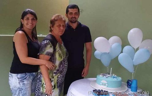 Arlene Lopes e filhos