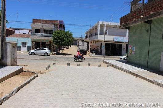 Calçamento Bairro Maia-Prefeitura de Princesa Isabel