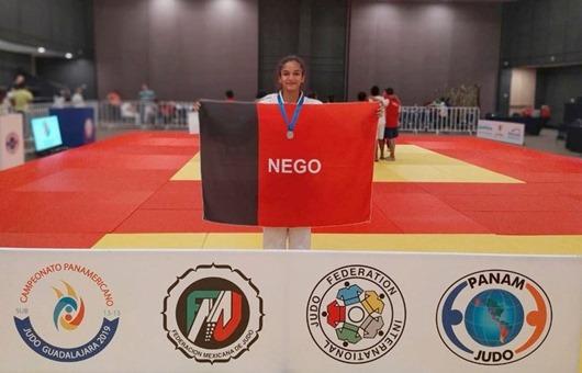 Eduarda Oliveira_prata_Pan-Americano Sub-15 de Judô
