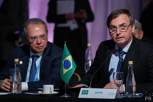 (Santa Fé - Argentina, 17/07/2019) Presidente da República Jair Bolsonaro acompanhado do Ministro da Economia Paulo Guedes. Foto: Alan Santos/PR