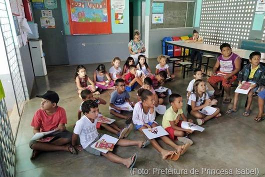 Escola da Várzea_agentes de endemias_inspeção e palestra sobre mosquito da dengue