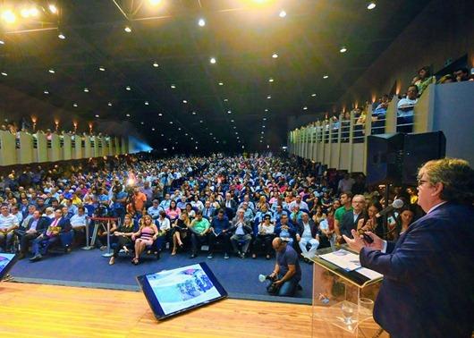 João Azevêdo presta conta de ações de 2019 e anuncia R$ 1,8 bilhão de investimentos para 2020