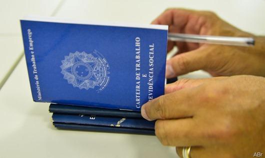 'Reforma vai desmontar o serviço público e promover redução salarial', afirma Sindifisco-PB