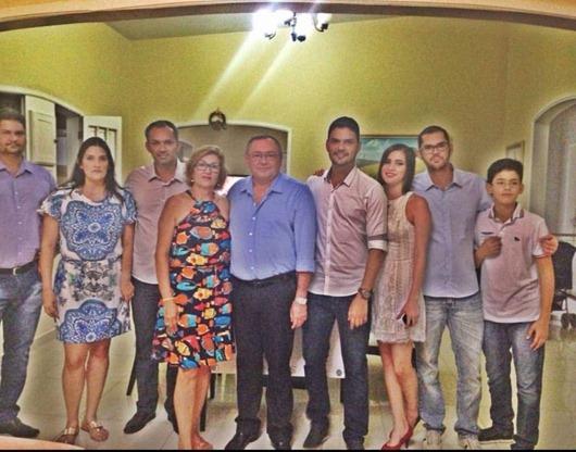 Aquina Lopes e família