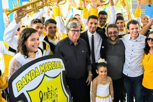 Azevêdo_inauguração de escola integral em Santa Cruz