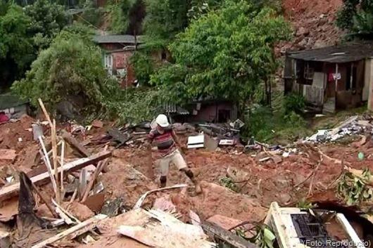 Chuvas provocam nove mortes na Baixada Santista