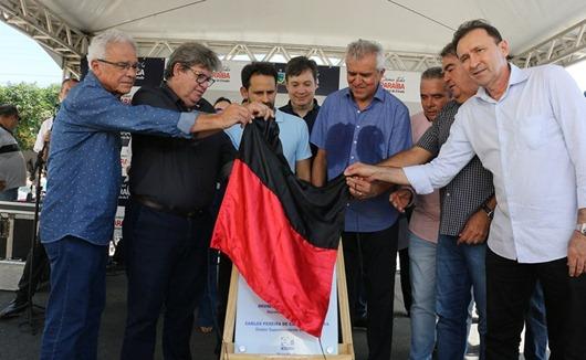 João Azevçedo_inauguração_rodovia estadual PB-383