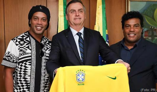 Ronaldinho Gaúcho, embaixador do Turismo de Jair Bolsonaro