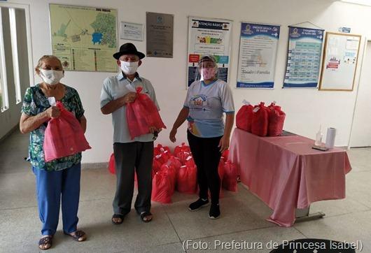 Prefeitura de Princesa Isabel_entrega_kits_idosos_Covid-19