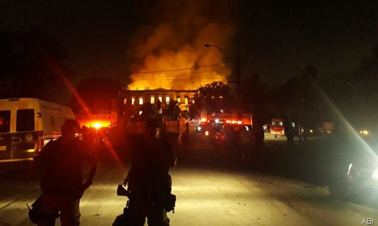 incendio_museu_nacional_do_rio_de_janeiro