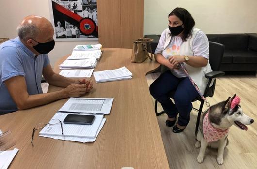 Saúde_expansão da cãoterapia na Rede Hospitalar Estadual
