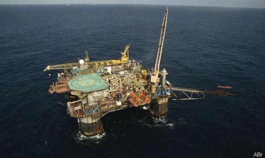 plataforma_semi-submersivel_p-20_bacia_de_campos_petroleo_do_brasil_petrobras