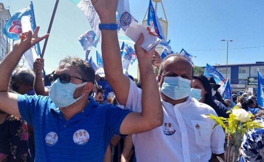 Vereador Irismar Mangueira com o prefeito reeleito Ricardo Pereira