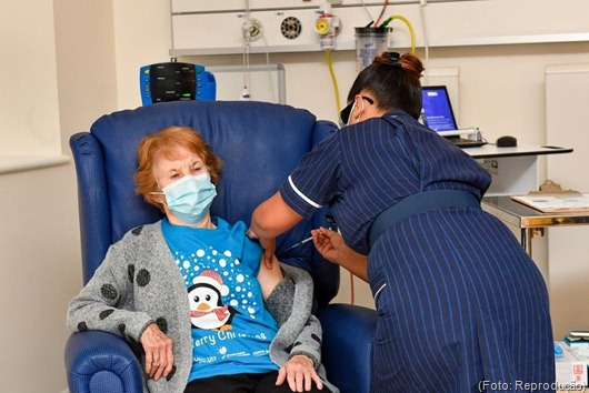 vacina contra Covid-19_Reino Unido